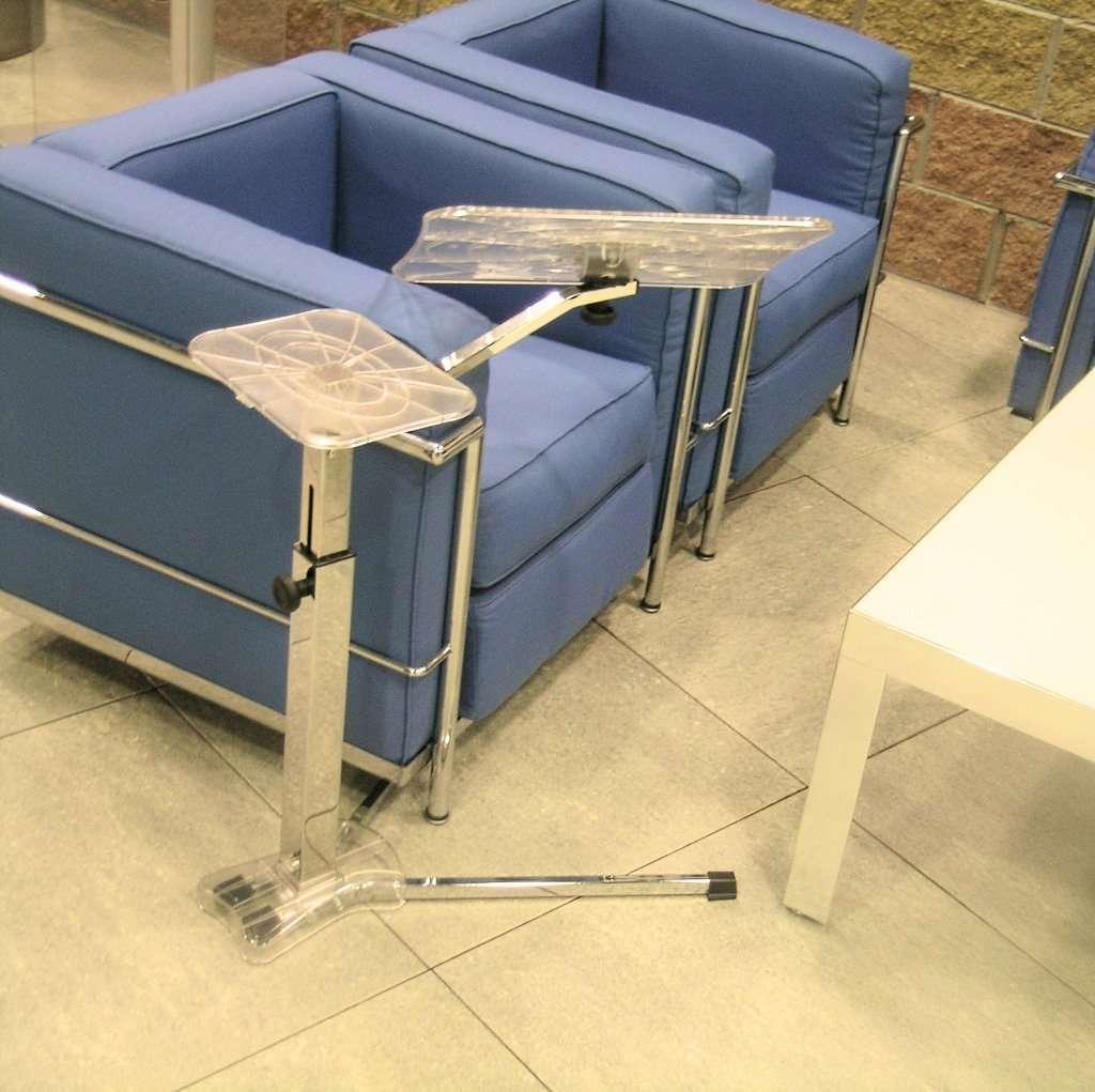un porta notebbo ideale anche per spazi comuni coworking e lounge o sale di aspetto.