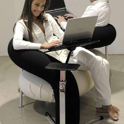 usa il notebook in modo confortevole trasforma divano in postazione ergonomica