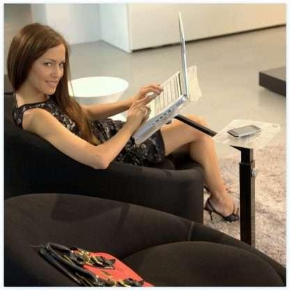 postura corretta con il portanotebook ergonomico