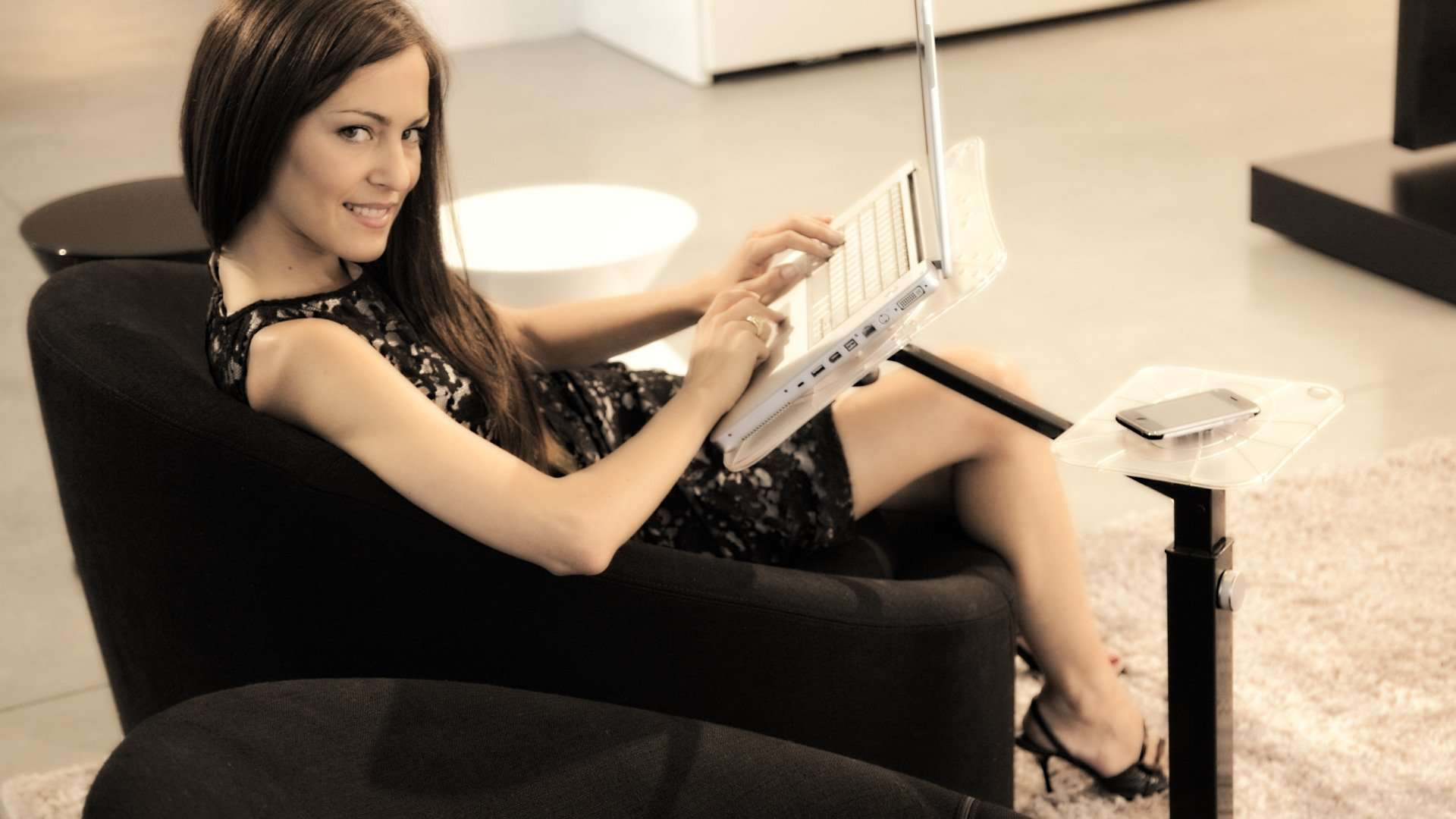 ergonomic comfort using laptop at home